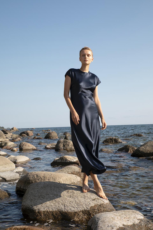 Navy silk bias cut midi dress from Chapter I by Hanna Fiedler