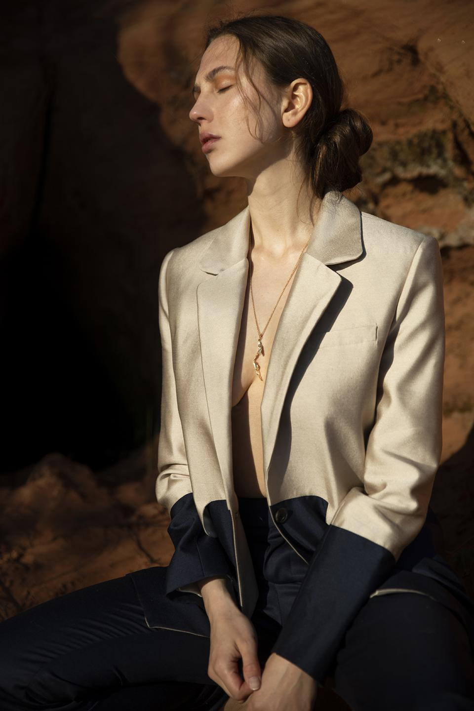 Beige and navy two-tone wool silk blazer from Chapter II by Hanna Fiedler