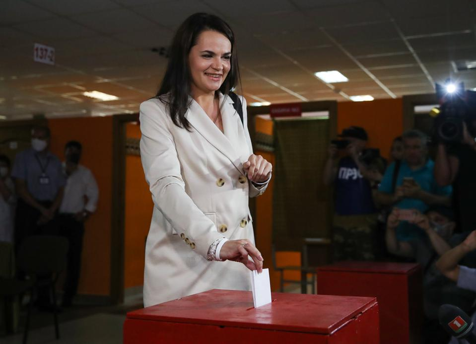 Presidential candidate Tikhanovskaya votes in 2020 Belarusian presidential election