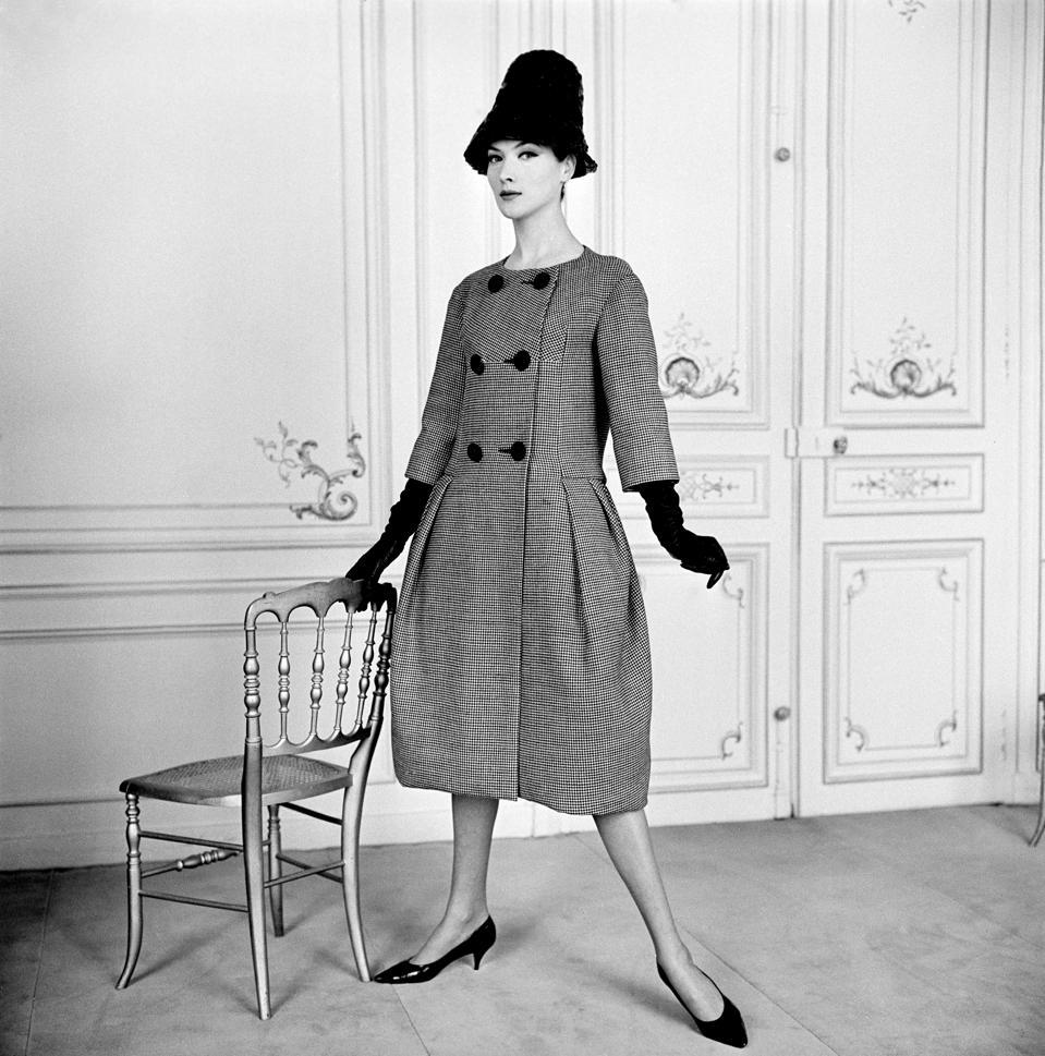 Celebrity Fashion: Modèle Pierre Cardin