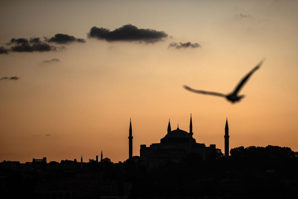 Turkish Court Votes To Allow Istanbuls Hagia Sophia To Be Used As A Mosque
