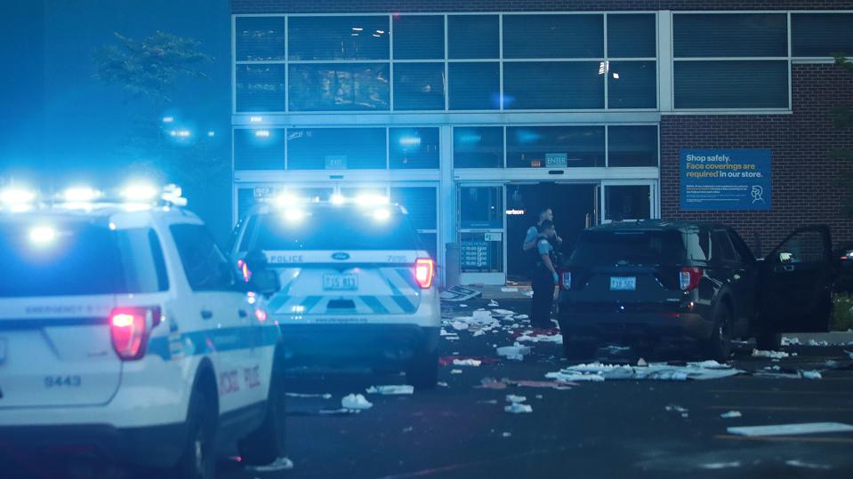 Police Shooting Leads To Widespread Looting And Violence In Chicago