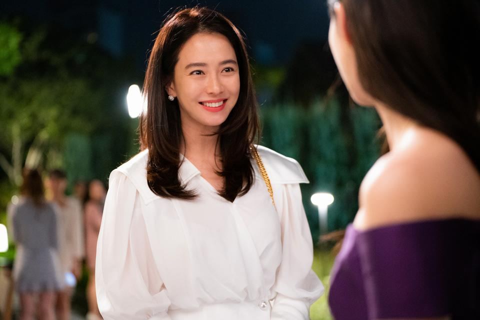 Song Ji-hyo plays a determined film producer in 'Was It Love?'