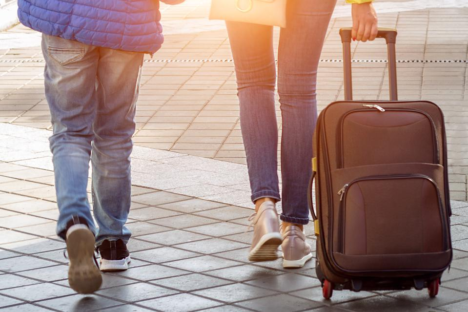 Unmarried couples can now apply for a travel waiver to reunite in France