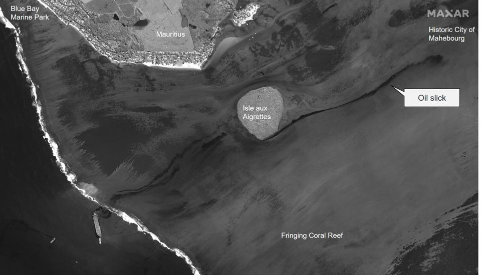 8 August 2020: Using a different satellite (panchromatic), the extent of the oil slick can be seen stretching around Ile aux Aigrettes toward the Historic City of Mahebourg