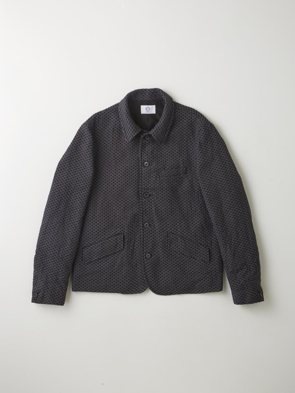 The Japanese techniques boro and sashiko play an important role throughout the KUON collection. KUON's work jacket features thick black Sashiko overstitch throughout the garment, which reinforces the jacket and provides a distinct texture.