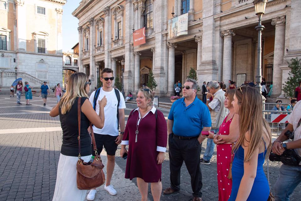 American Italian guide Theresa Potenza in Rome from Tour With Theresa with US tourists