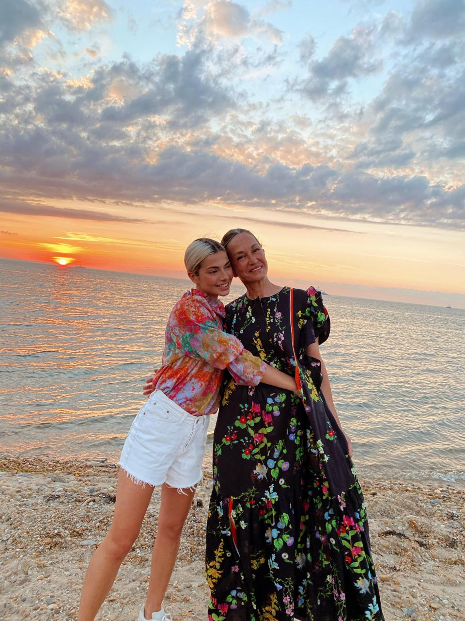 Ageless Podcast Mother-Daughter Duo Kit Keenan (left) and Cynthia Rowley