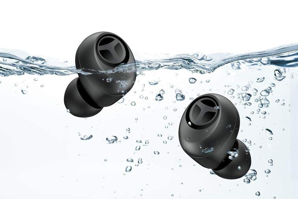Pair of Tranya T10 earbuds in water