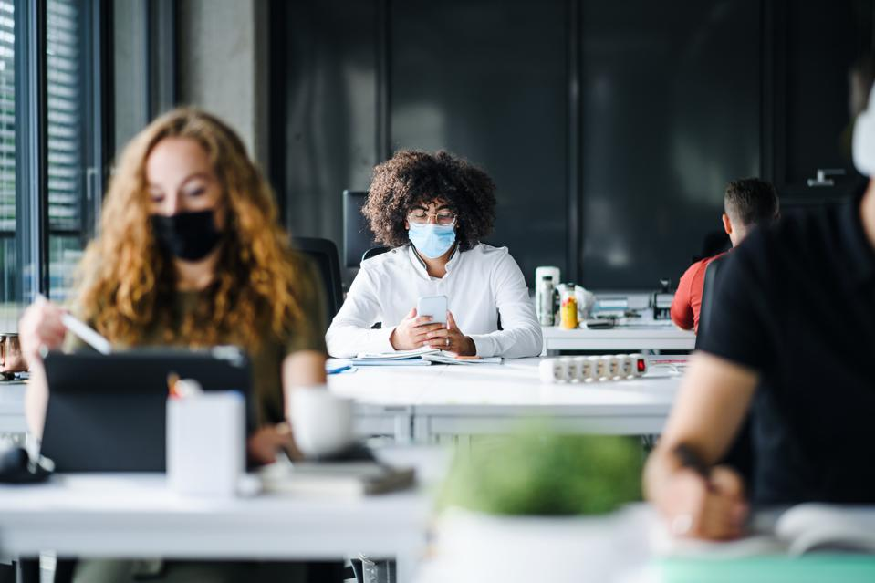 America's colleges are struggling with how to safely feed on-campus students during the pandemic.