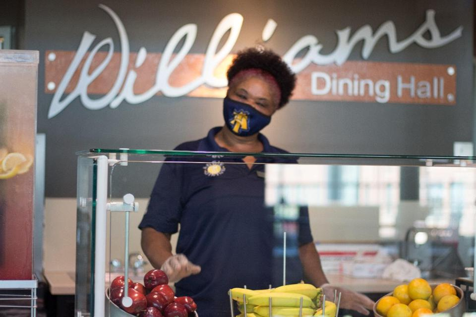 A dining team member prepares dessert in Williams Dining Hall at North Carolina Agricultural and Technical State University.