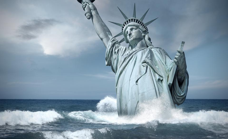 Statue of Liberty lost in the sea