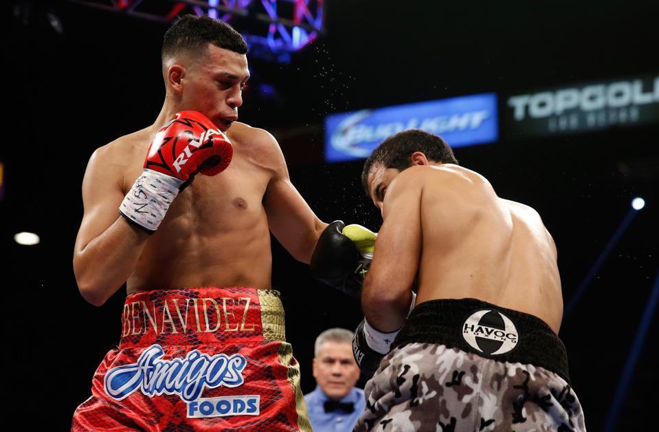 David Benavidez vs Roamer Alexis Angulo boxing odds Michael Conlan Cecilia Braekhus