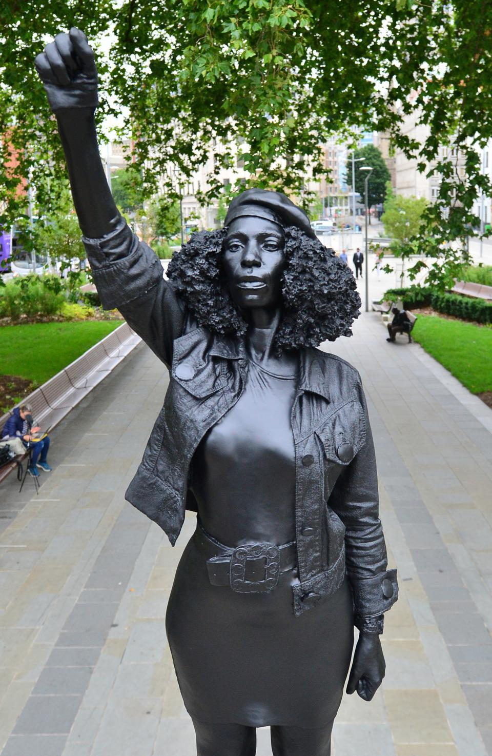 statue of anti-racism protester replacing that of a slave trader
