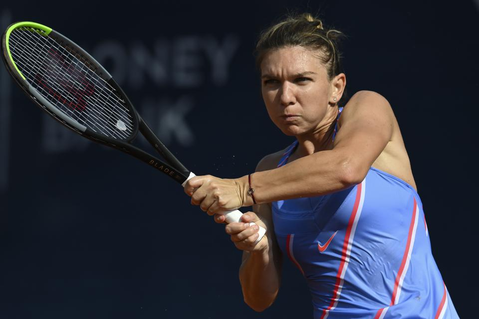 PRAGUE, CZECH REPUBLIC - AUGUST 15:  Simona Halep of Romania competes in her Women's Singles Semi Final match against Irina-Camelia Begu of Romania during the WTA Prague Open tennis tournament at TK Sparta Praha on August 15, 2020 in Prague, Czech Republic.  (Photo by Martin Sidorjak/Getty Images)