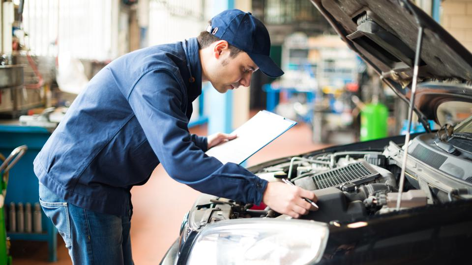 Residents of Vermont pay the least, on average, to fix a ″check engine″ related issue, while those in California pay the most.