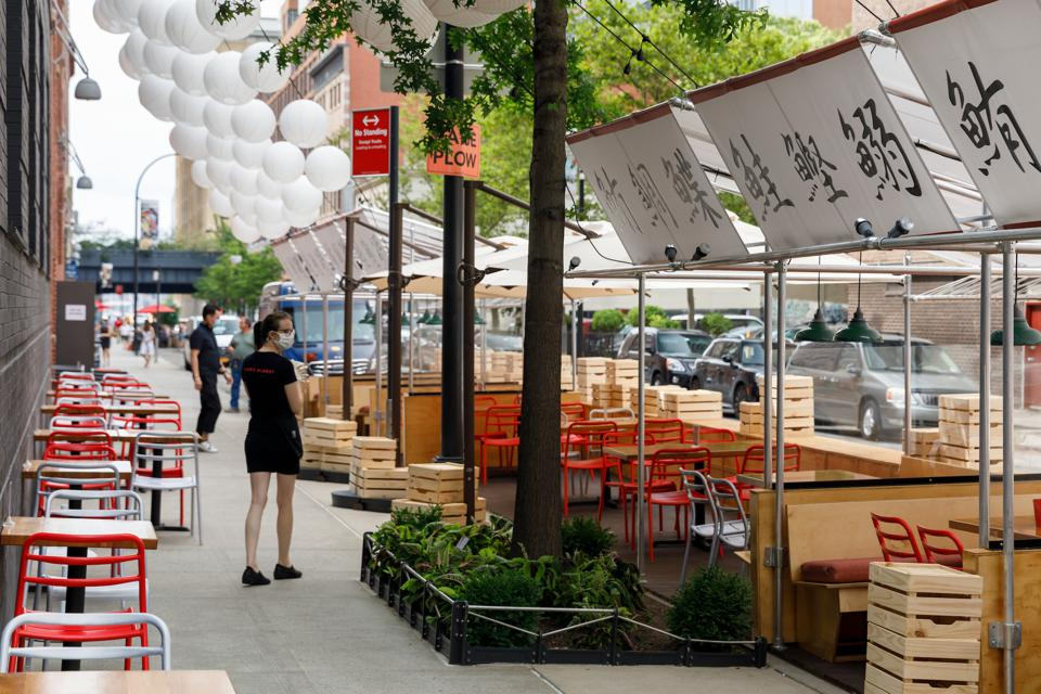 Nyc S Chelsea Market Launches New Outdoor Dining Experience