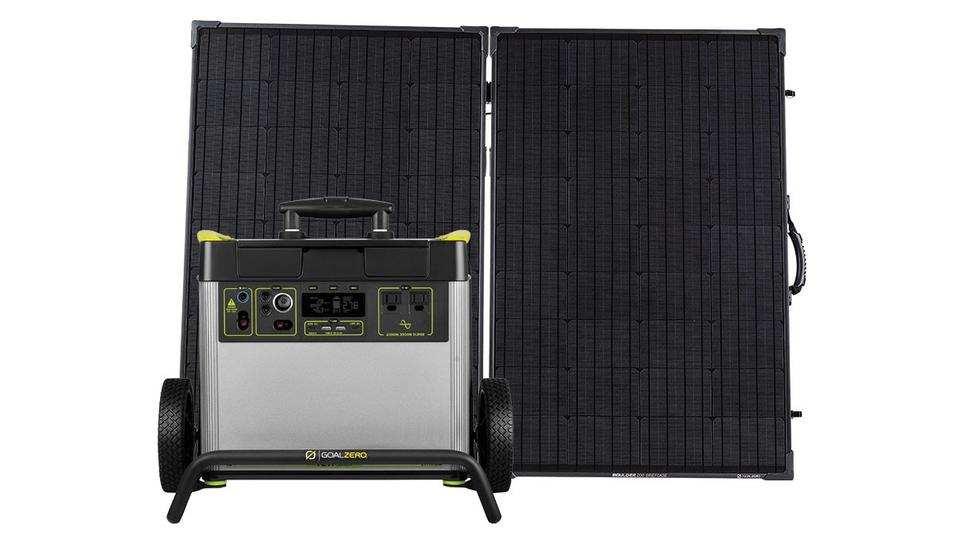 Yeti 3000X and Boulder 200 Solar Panel Briefcase