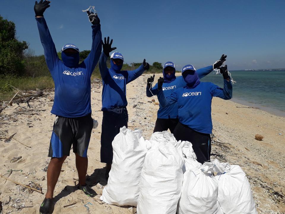 4ocean crews celebrate another successful shoreline cleanup
