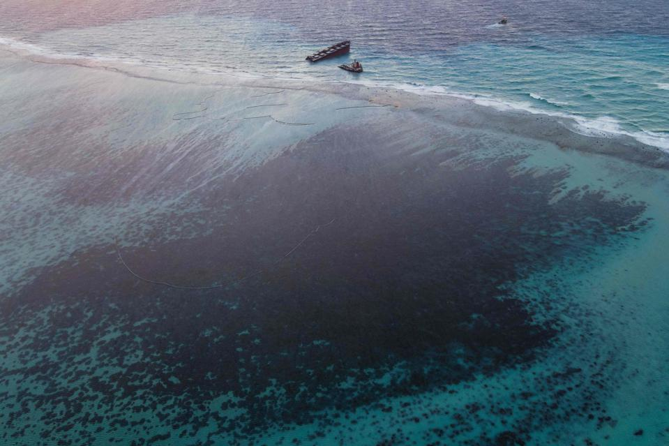 MAURITIUS-ENVIRONMENT-DISASTER-OIL