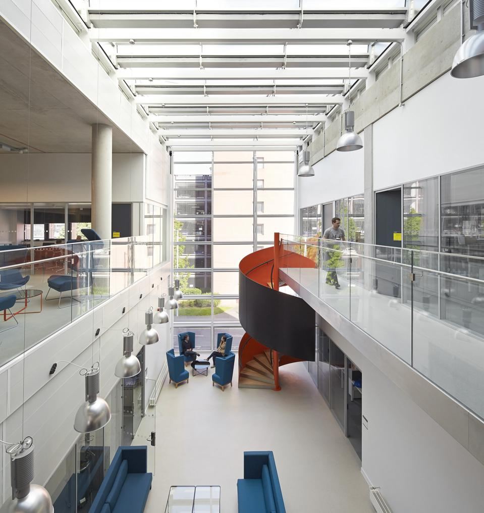 Graphene Institute, University of Manchester, Manchester, United Kingdom. Architect: Jestico + Whiles, 2015.