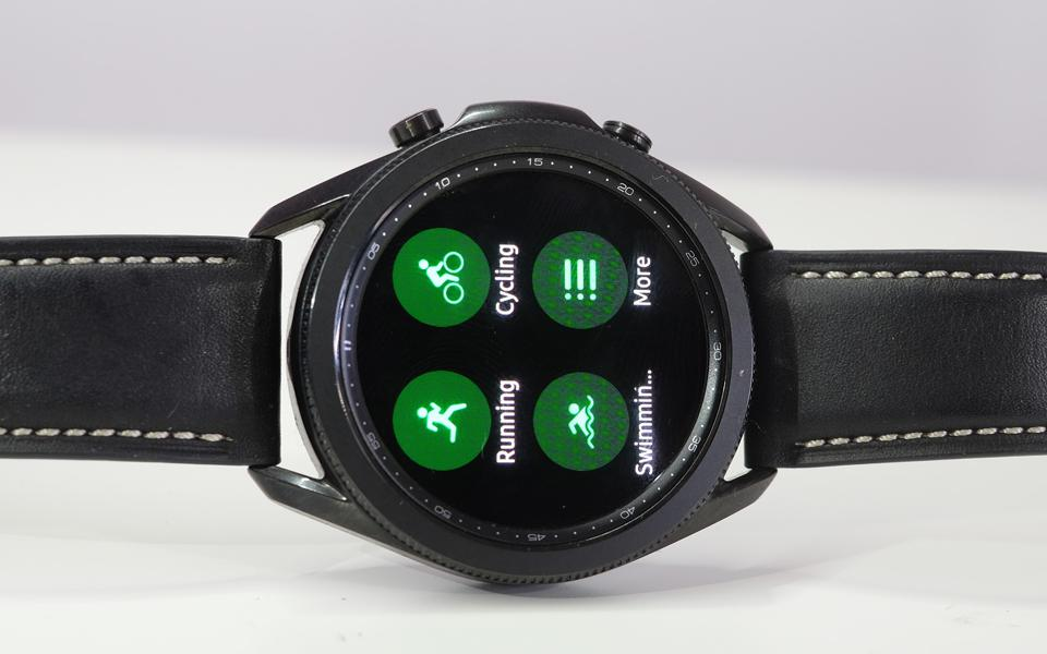 A photo of the Galaxy Watch 3's activity mode screen.