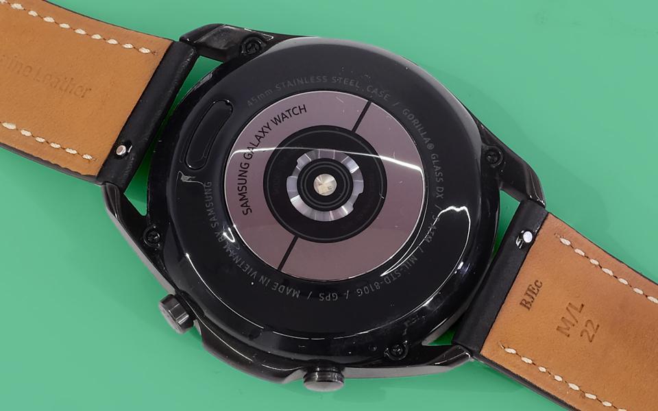 A photo of the Galaxy Watch 3's HR sensor.