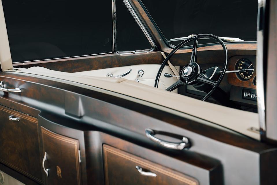Rolls-Royce Phantoms by Lunaz