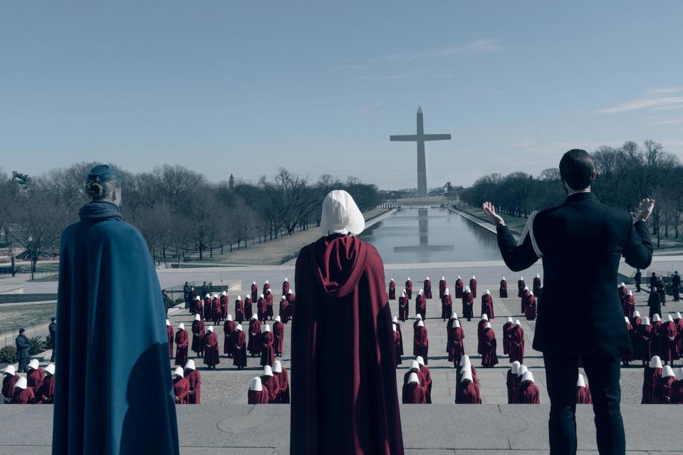 Elisabeth Moss discusses the importance of the VFX to Hulu's 'The Handmaid's Tale.' The show just received 10 Emmy nominations for season three. Showrunner Bruce Miller talks about what fans can expect for season four. Also starring are Joseph Fiennes, Yvonne Strahovski, Samira Wiley, Alexis Bledel, Ann Dowd, Max Minghella, Madeline Brewer, O-T Fagbenle, Amanda Brugel and Bradley Whitford.
