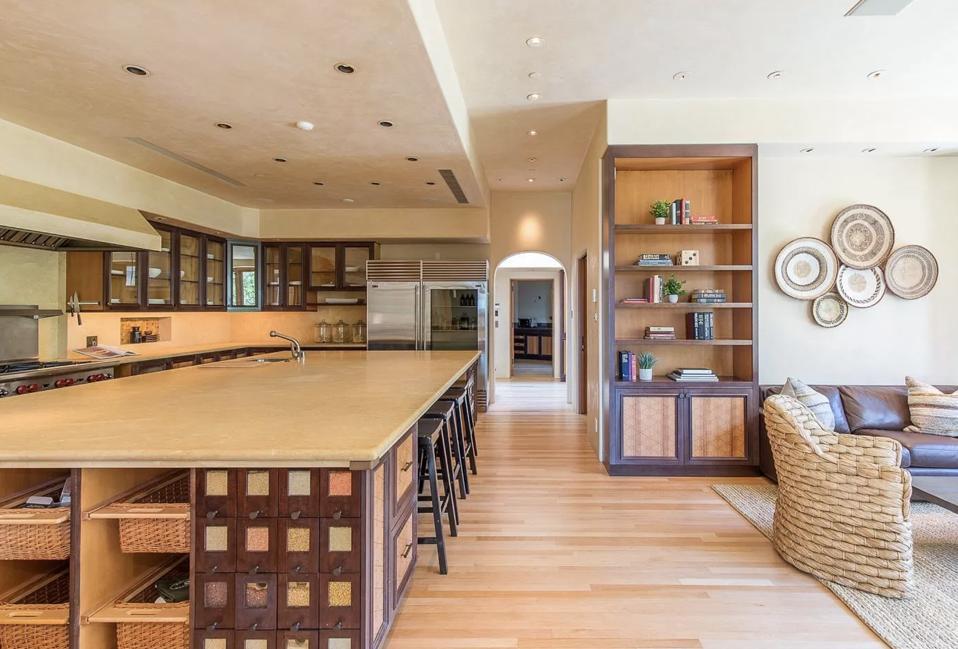 Kitchen, spice drawers, Kitchen island