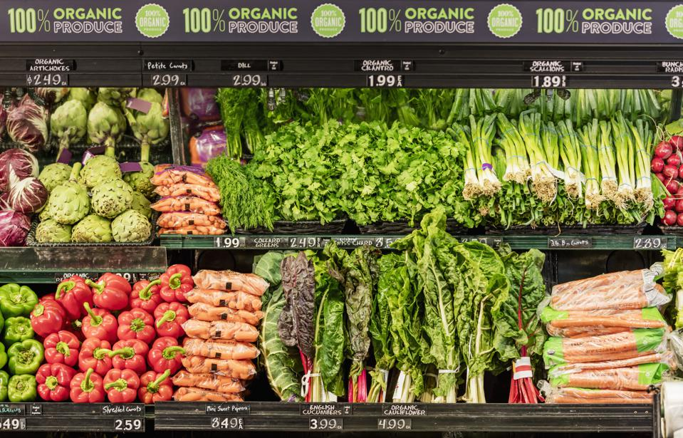 Organic produce in grocery store