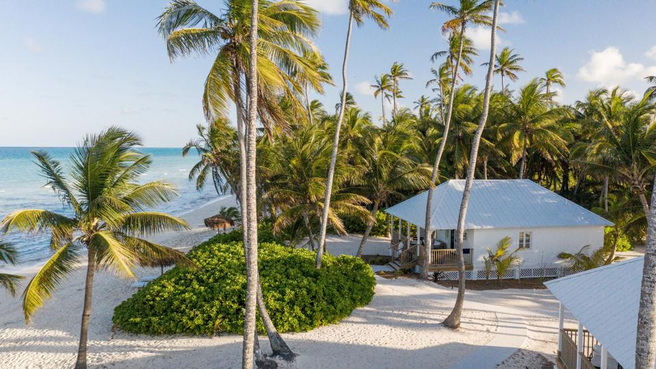 Oceanfront villa at Caerula Mar Club