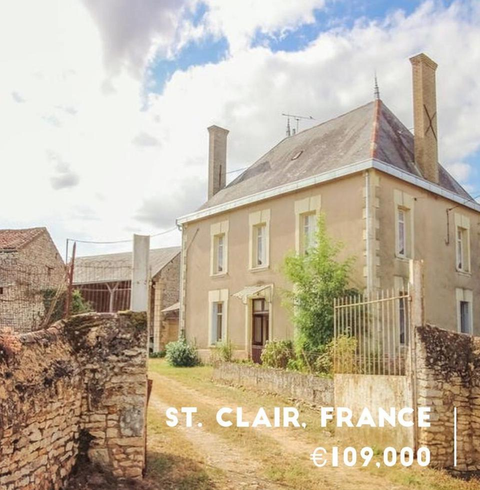 Located in St. Clair, France, this property is listed by Leggett.