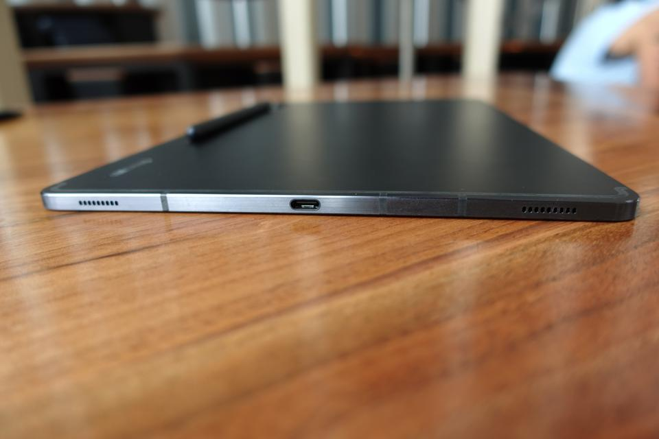 The tablet's casing is made of aluminum.