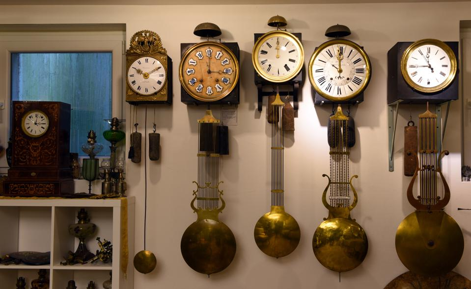 Comtoise Watches: French pendulum clocks from the French region of Franch-Comte.