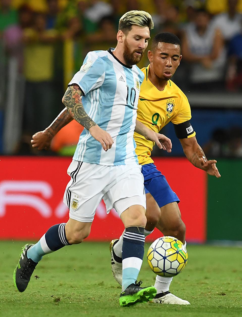 Gabriel Jesus could enter a swap deal for Lionel Messi.