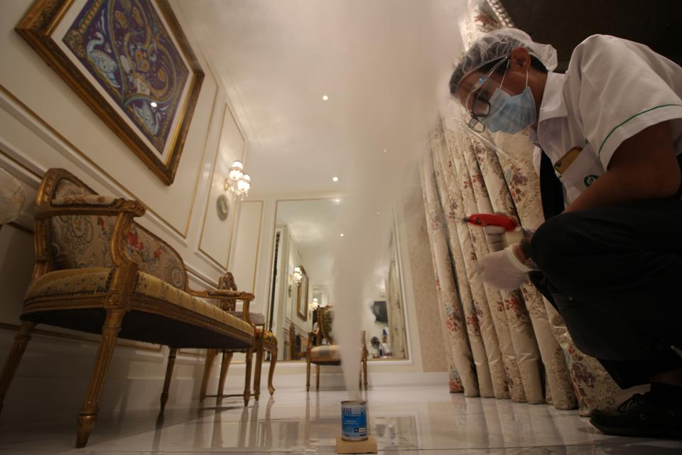 KAMISETA SKIN disinfecting premises with non toxic fumigant, SANIVIR SMOKE.