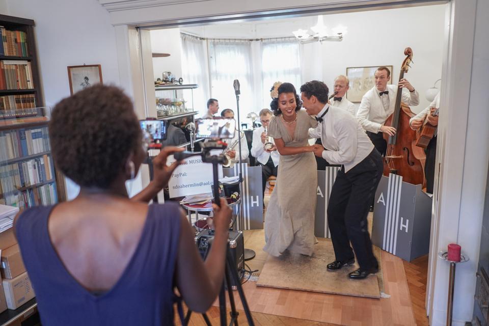 The Swingin' Hermlins - Living Room Concert