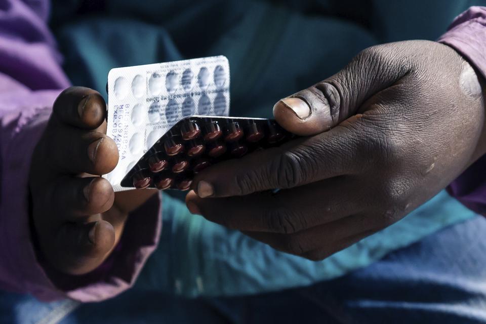 ZIMBABWE-HEALTH-HOSPITAL-AIDS-TB-EPIDEMIC