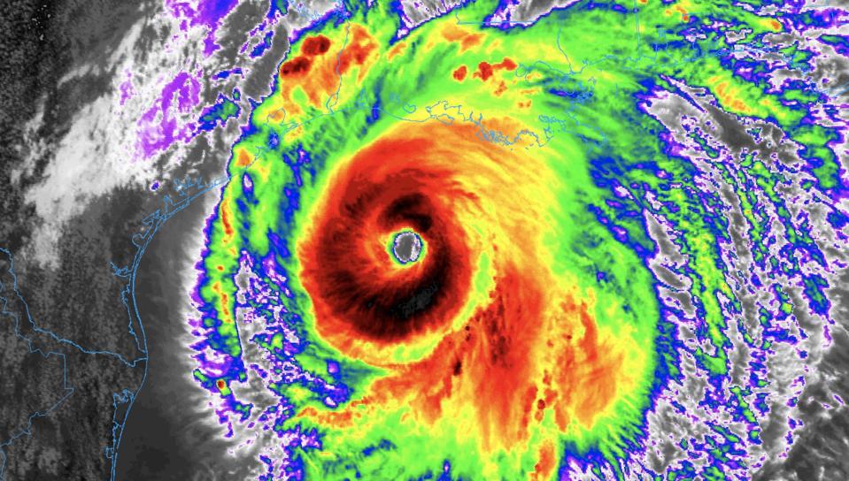 satellite image of hurricane Laura
