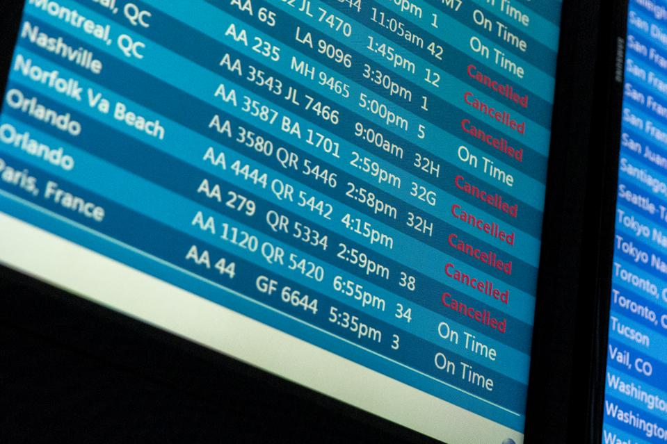 united states airport canceled flights
