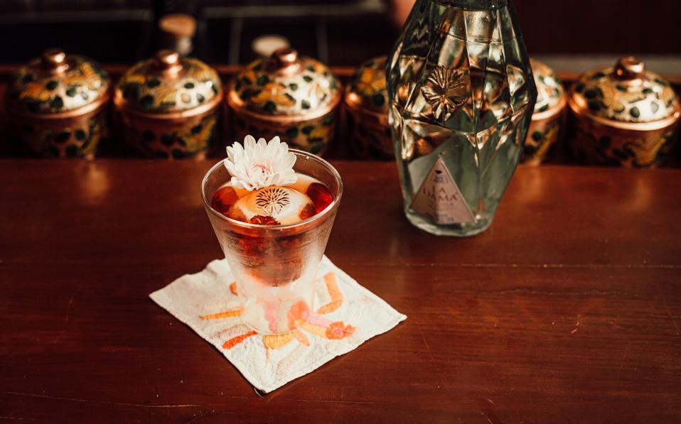 la dama tequila cocktail