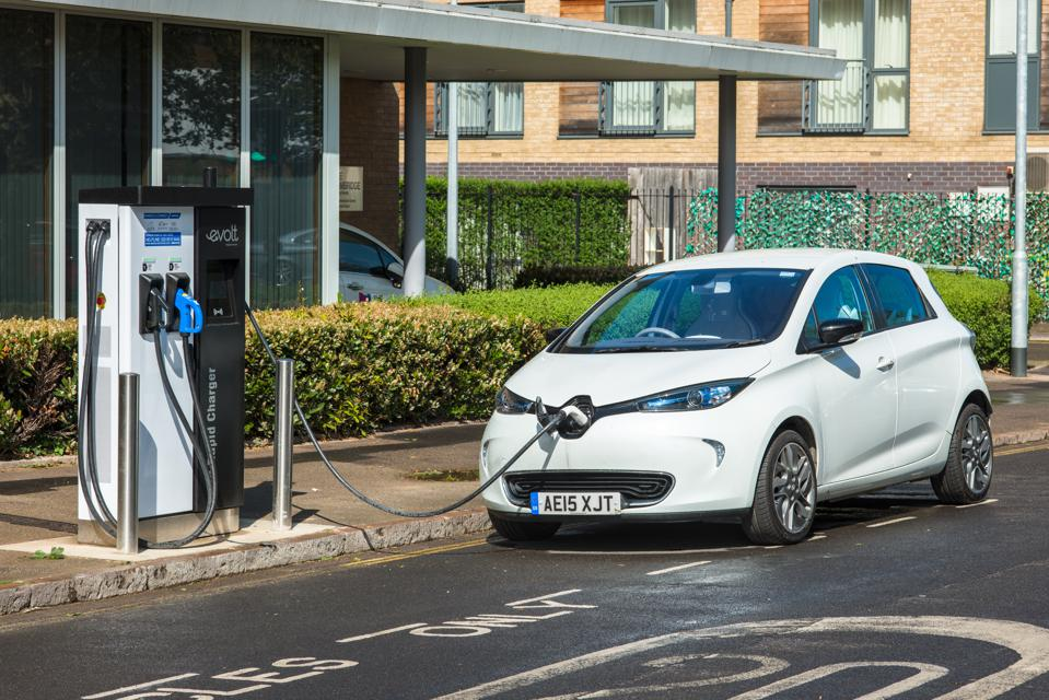 Renault sold 9280 Zoe EVs in Europe in July to dominate the surging market
