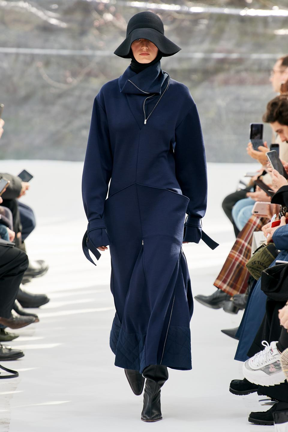 KENZO by Felipe Oliveira Baptista, Fall/Winter 2020.   High neck long dress in techno milano   Billow high top boots in goat leather   Scarf hat in knit wool and cashmere