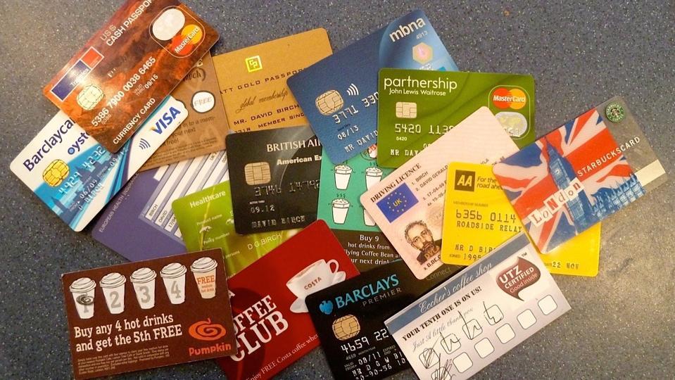 Une collection de cartes extraites de mon portefeuille.