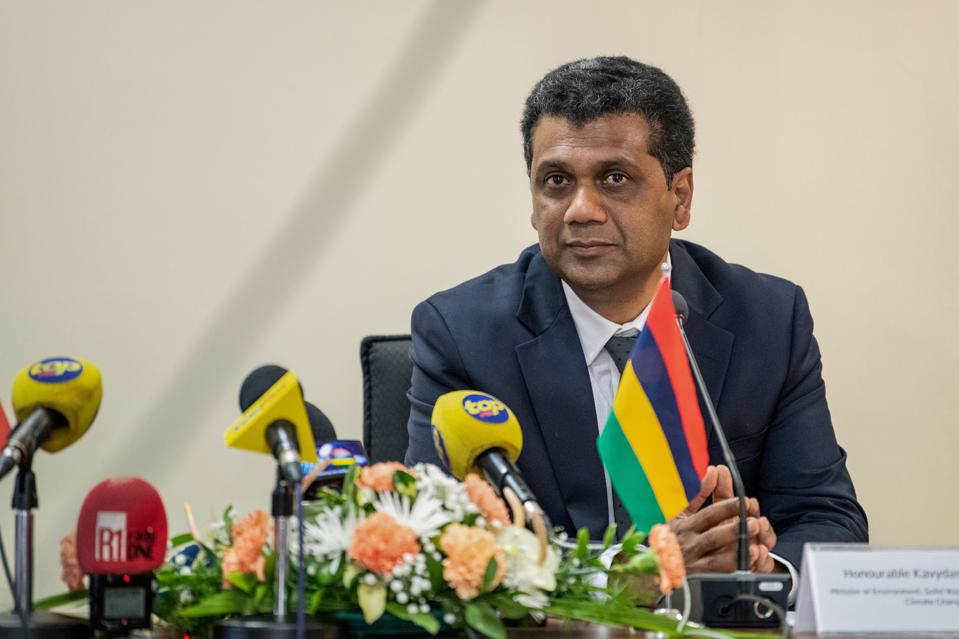 16 Aug 2020: The Mauritian Minister of Environment, Kavy Romano, has been heavily criticized for his handling of the oil spill situation.