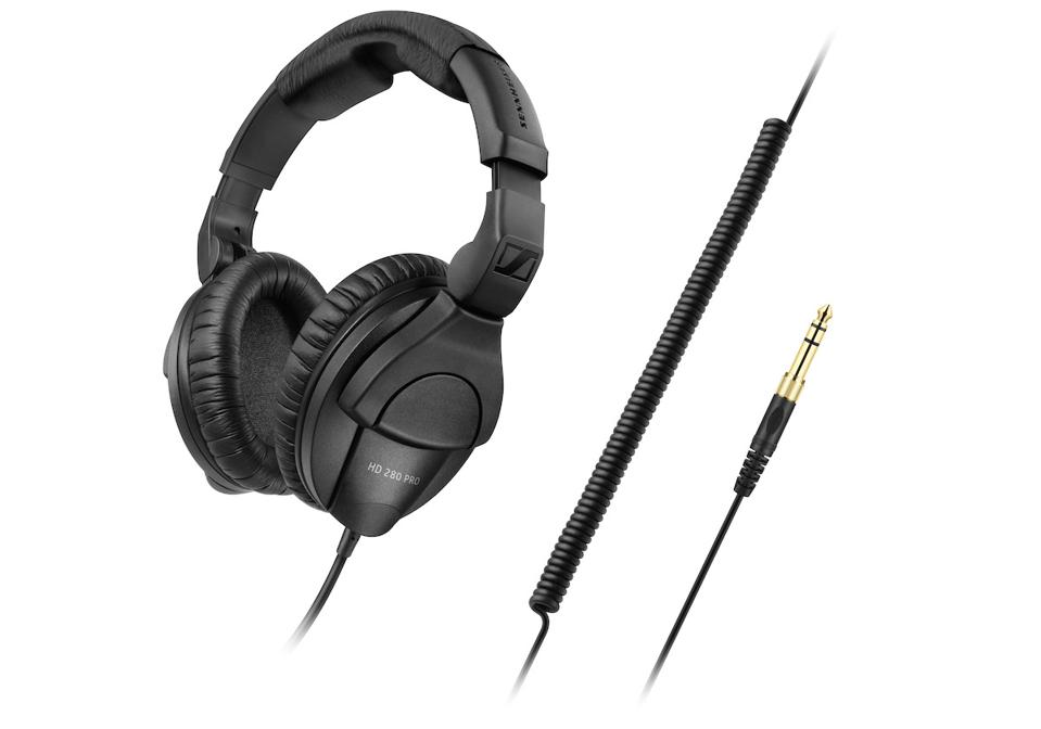 View of Sennheiser HD280 Pro and cable