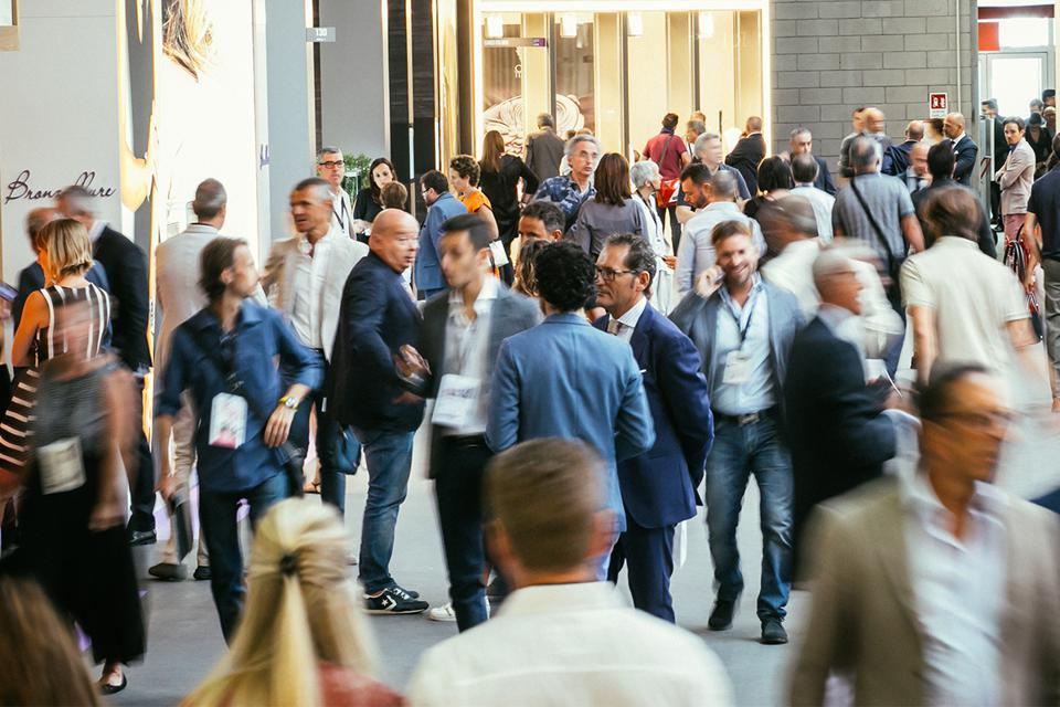 Crowds of buyers at the September 2019 Vicenzaoro jewelry fair