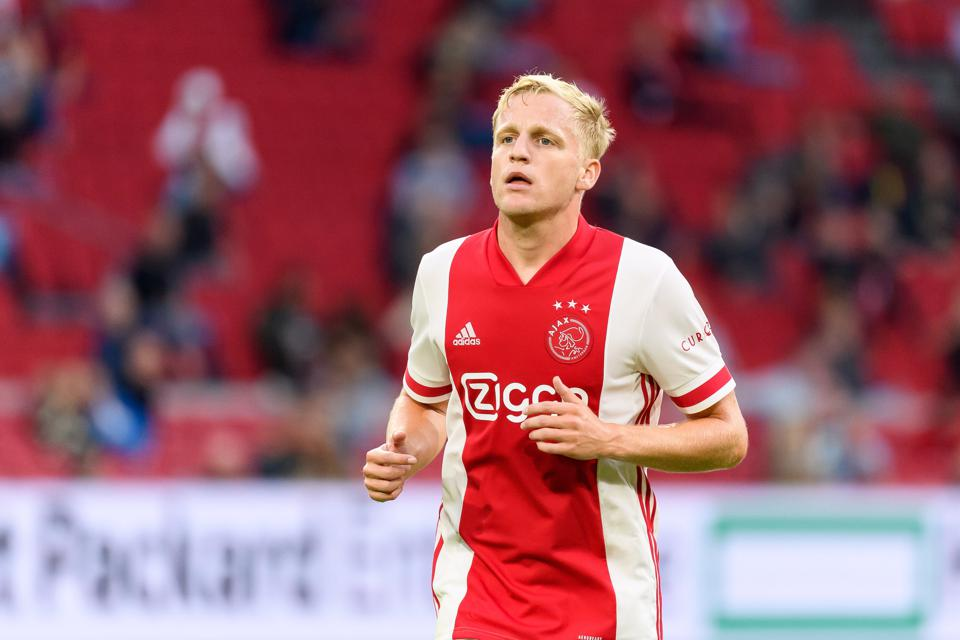 Donny Van De Beek Will Add Considerable Quality To Manchester United S Midfield