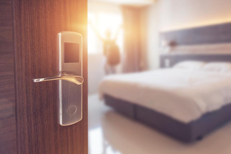 germs door handle dirty hotel